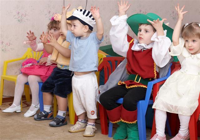 Выступление перед Дедом Морозом. - Изображение  детский сад  Татоша . 113 (Мелкий).jpg