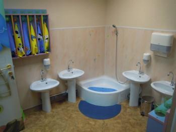 Частный детский сад Маленькая страна  - Туалет для  старшей группы.jpg